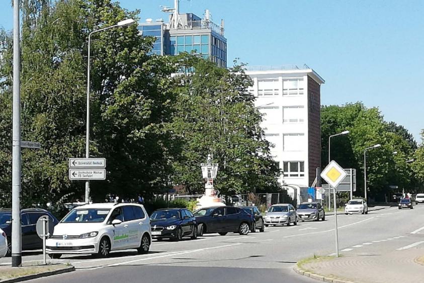 Foto: Straße vor Technologiepark