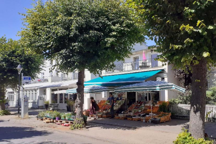 Foto: Straßenraum mit Einzelhandel