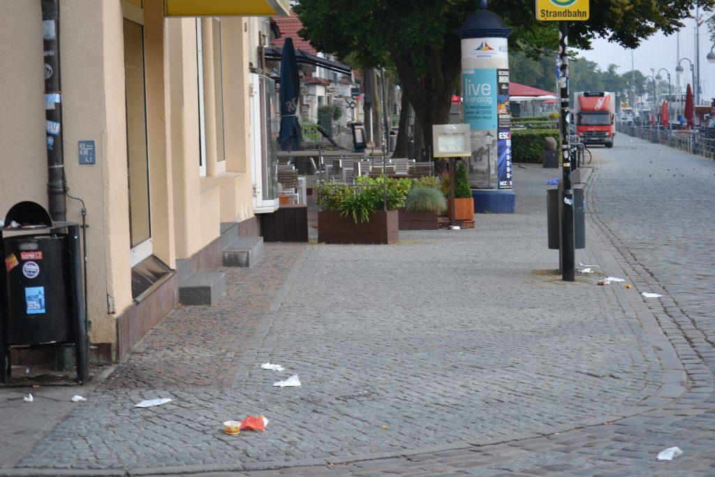 Foto: Müll auf der Straße