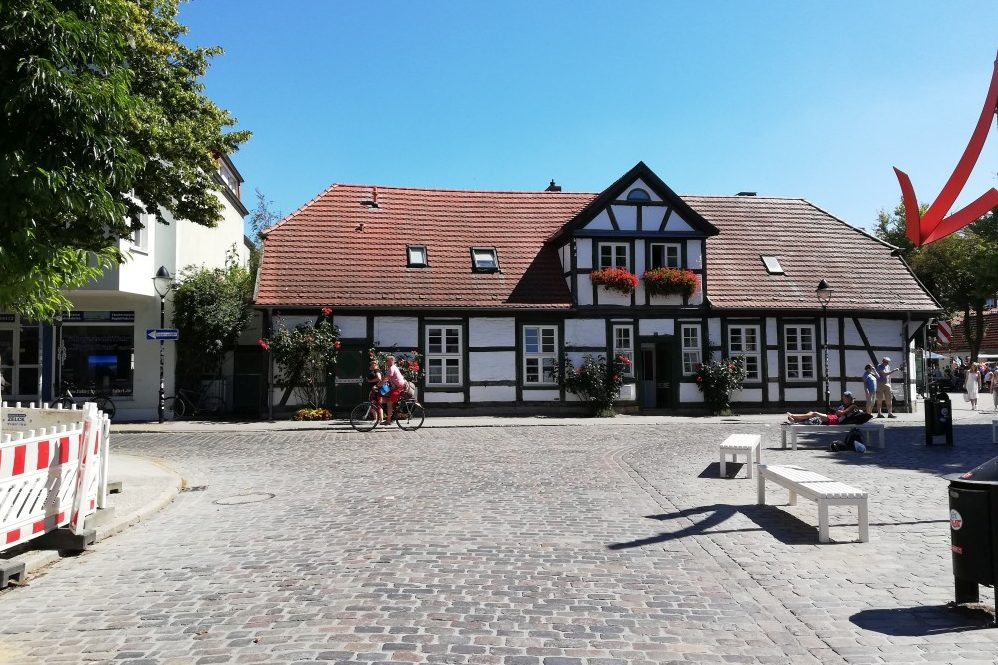 Foto: Platzbereich Kirchenstraße – Alexandrinenstraße