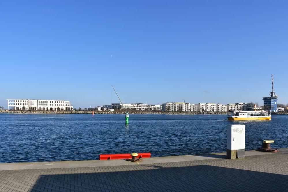 Foto: Blick auf Hohe Düne gegenüber Seekanal