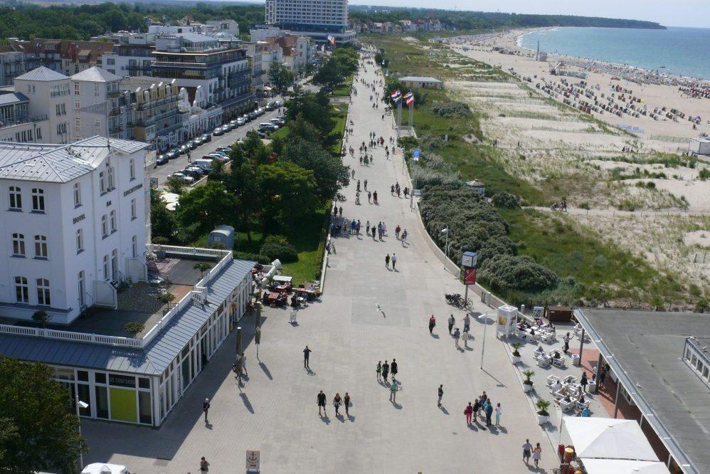Foto: Luftbild Seepromenade und Strand