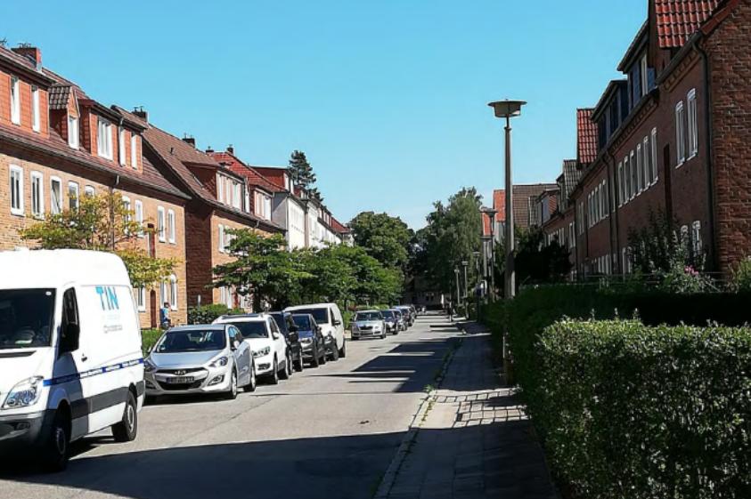 Foto: Lilienthalstraße mit Bebauung