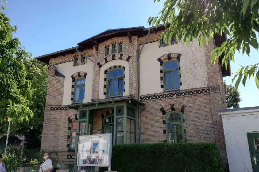 Foto: Gebäude Ev. Kirchengemeinde